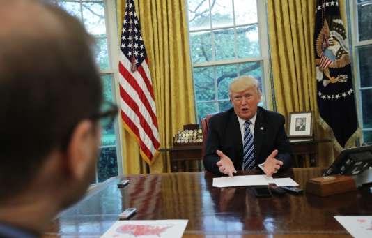 Le président lors de l'interview de l'agence de presse Reuters, à la Maison Blanche.
