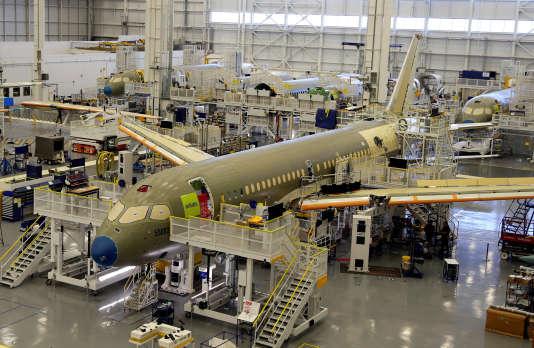 L'assemblage d'un modèleCSeries de Bombardier à Mirabel, au Québec.