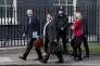 Michel Barnier, négociateur du Brexit, et Martin Selmayr, chef de cabinet du président de la Commission européenne, arrivent au 10 Downing Street, à Londres, le 26avril.