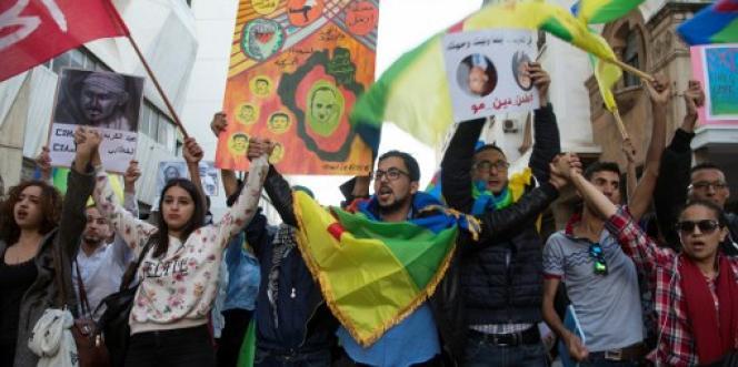 Le 6 novembre 2016 à Rabat, des manifestants se mobilisent pour demander justice suite à la mort accidentelle de Mouhcine Fikri, broyé dans une benne à ordures, àAl-Hoceima, dans le nord du Maroc.