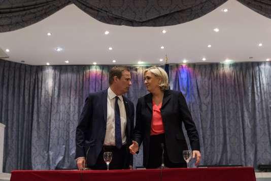 Marine Le Pen et Nicolas Dupont-Aignan, samedi 29 avril, lors d'un point presse commun au siège du Front national.