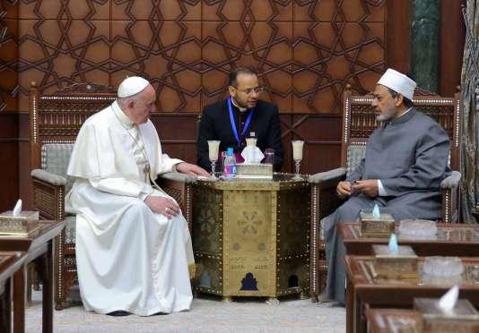Rencontre du pape François et du cheick Ameh Al-Tayeb, grand imam de la mosquée Al-Azhar, au Caire le 28 avril.