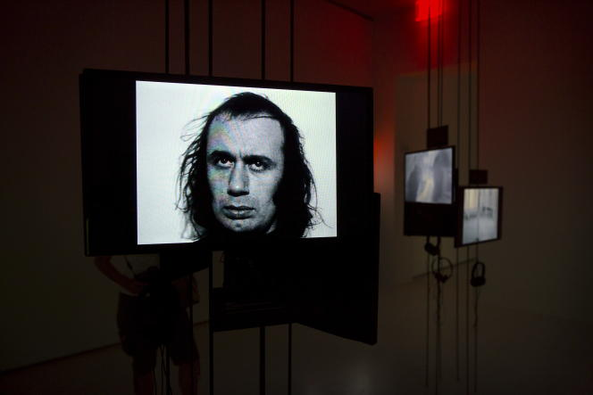 «Watch», installation vidéo de Vito Acconci, au MoMA PS1de New York, le 27 juin 2016.