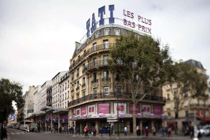 Façade du magasin Tati à Paris.