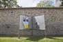 Affiches électorales pour le second tour, à Marly-le-Roi (Yvelines), le 27 avril.