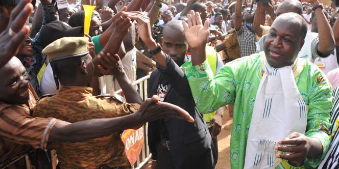 Zéphirin Diabré, le leader de l'opposition burkinabée, à son arrivée à la Maison du peuple de Ouagadougou, le 29avril 2017.