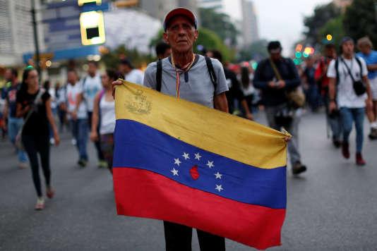 Un manifestant anti-Maduro à Caracas le 29 avril.