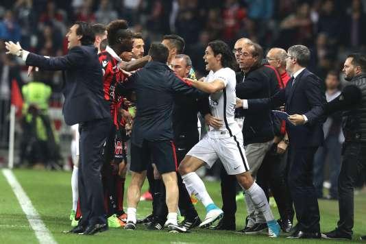 Mario Balotelli et Edinson Cavani ont eu une discussion animée.