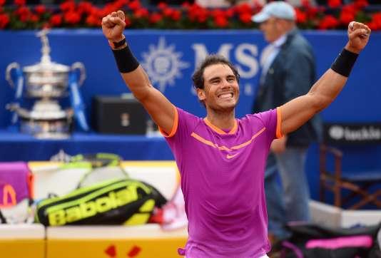 Rafael Nadal a remporté son dixième tournoi barcelonais dimanche.