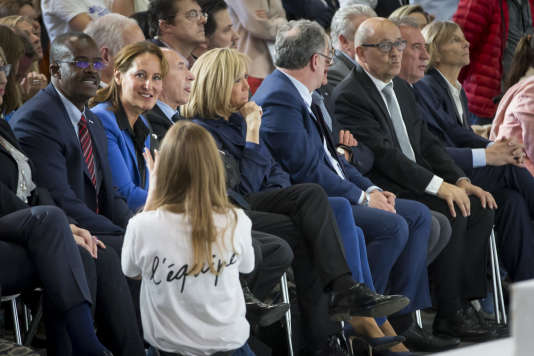 Ségolène Royal, Gérard Colomb, Brigitte Macron, Richard Ferrand, Jean-Yves Le Drian, et François Bayrou assistent au meeting d'Emmanuel Macron au Paris Event Center à La Villette à Paris, le 1er mai 2017 - 2017©Jean-Claude Coutausse / french-politics pour Le Monde