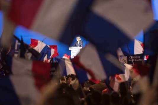 Marine Le Pen au parc des Expositions de Villepinte, le 1er mai.