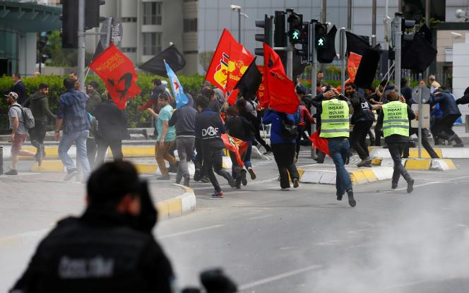 Mesale Tolufait partie d'un groupe de 16 personnes interpellées lors d'une opération policière contre des militants de gauche à la veille des manifestations du 1er mai.