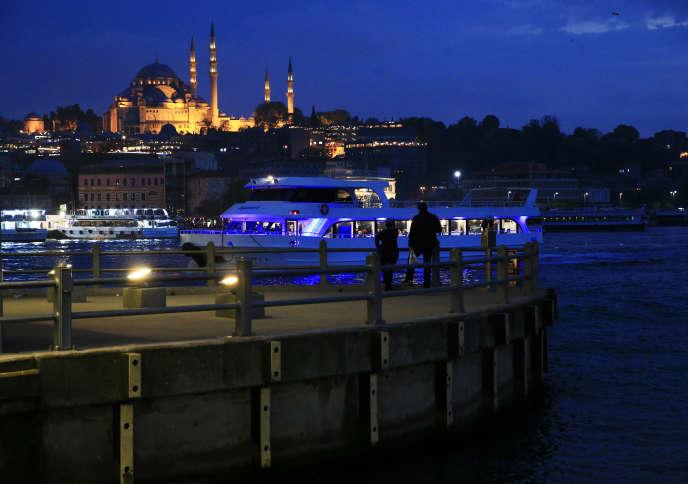 La mosquéeSuleymaniye et la Corne d'or, Istanbul, 2017.