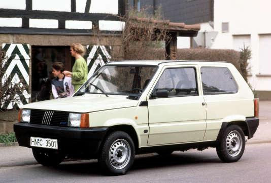 La Fiat Panda : des formes simples mais une certaine prestance.