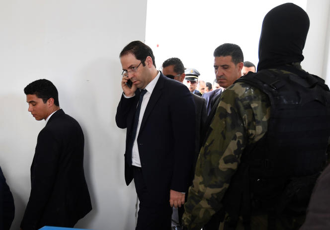 Le premier ministre tunisien à Tataouine, le 27 avril 2017.