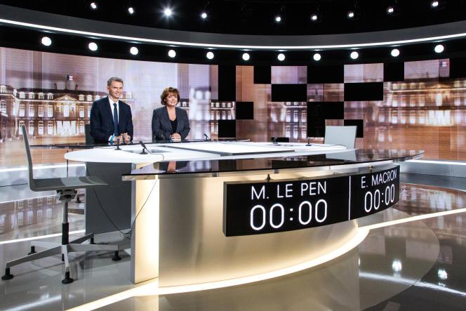 Les chefs des services politiques de TF1 et France 2, Christophe Jakubyszyn et Nathalie Saint-Cricq, mercredi 3mai.