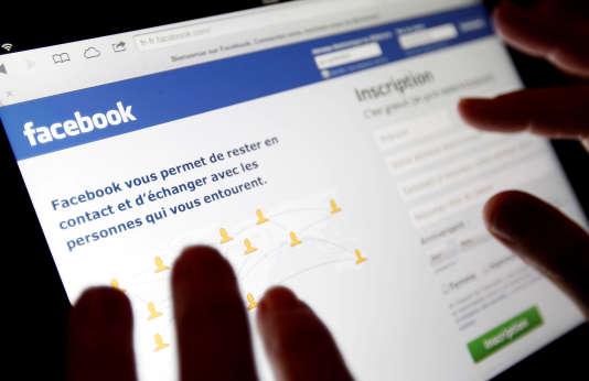 Malgré la politique de modération de Facebook, les discours de haine prolifèrent sur Facebook.