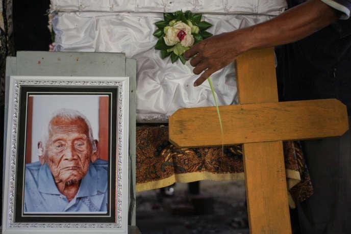Celui qui se revendiquait comme le doyen du monde, l'Indonésien Sodimedjo, est mort à l'âge de 146 ans