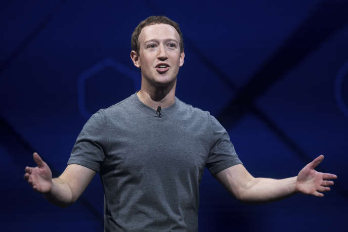 Le réseau social a annoncé une augmentation sans précédent de ses équipes chargées de la modération des contenus. Actuellement 4 500, ils seront 3 000 de plus d'ici un an, a annoncé Mark Zuckerberg.