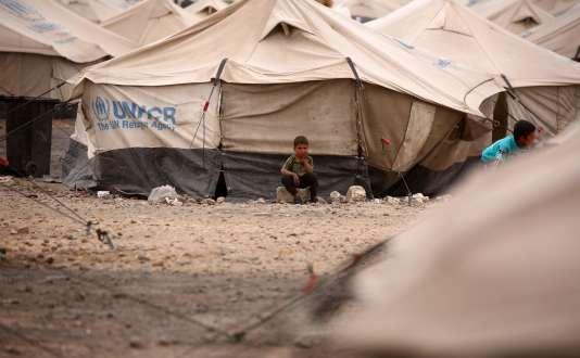 En six ans de guerre, plus de la moitié de la population syrienne est devenue réfugiée ou déplacée.