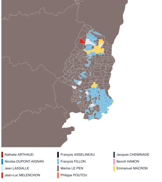 En Alsace, la route des vins à choisi François Fillon (en bleu).