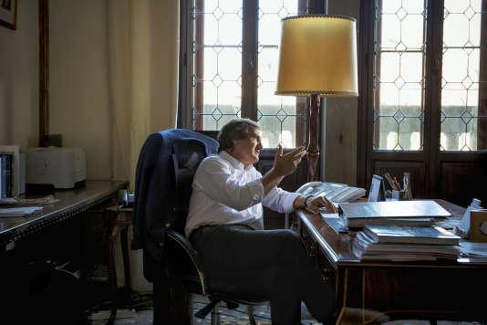 Luigi Brugnaro, le maire de Venise, dans son bureau.