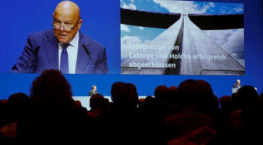 Beat Hess, le président du groupe franco-suisse LafargeHolcim, lors de l'AG du 3 mai à Zurich.