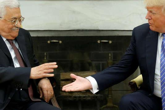 «Nous allons faire avancer les choses», a promis Donald Trump au président palestinien en présentant les Etats-Unis comme un «médiateur, facilitateur ou arbitre» entre les deux camps.