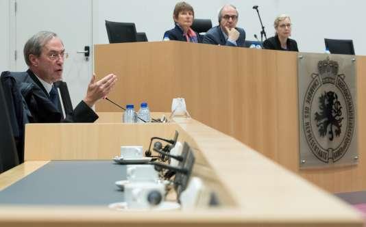 Claude Guéant a été auditionné mercredi 3 mai à Bruxelles par la commission d'enquête parlementaire concernant le scandale du « Kazakhgate».