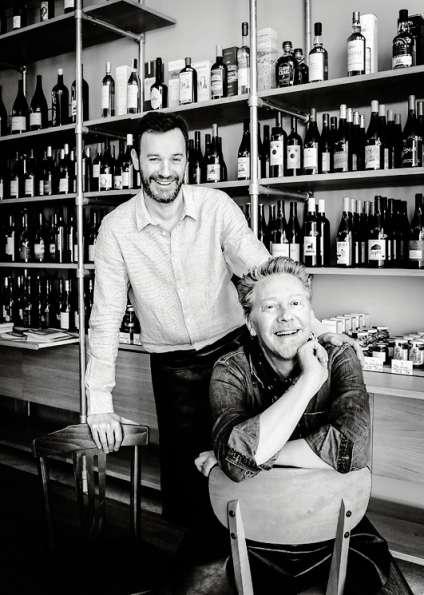 Le critique gastronomique Sébastien Demorand (assis) et l'entrepreneur Cyrille Rossetto se sont associés pour ouvrir Le Bel Ordinaire.