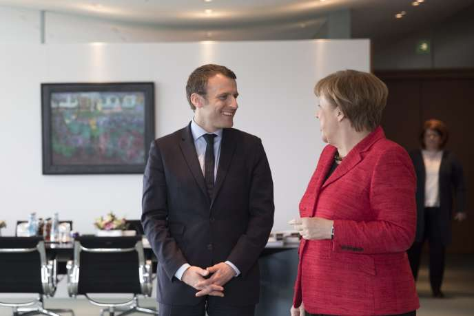 Emmanuel Macron et Angela Merkel, à Berlin, le 16 mars.