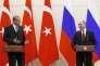 Le président russe, Vladimir Poutine (à droite), et son homologue turc, Recep Tayyip Erdogan, participent à une conférence de presse commune à Sotchi, le 3 mai 2017.