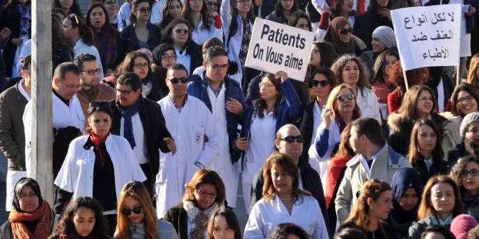 Le 8février 2016, à Tunis, lors d'une manifestation des personnels de santé.