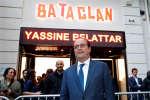 François Hollande, devant le Bataclan, le 4 mai 2017.