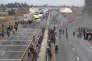 Des habitants protestent contre le meurtre d'un civil par un militaire, près de Puebla, au Mexique, le 4 mai.
