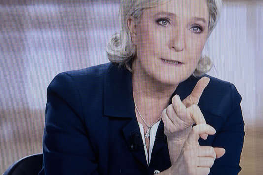 Capture d'écran du débat télévisé entre Marine Le Pen et Emmanuel Macron en vue dusecond tour de la présidentielle 2017, le 3 mai 2017.
