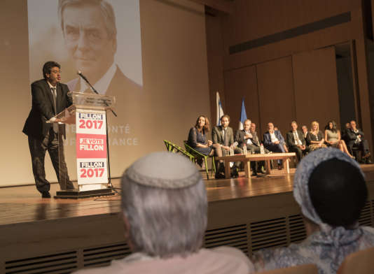 Meyer Habib, lors d'un meeting en soutien à François Fillon, le 20 avril à Tel-Aviv.