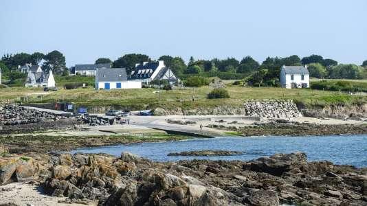 Ce Relais du silence est posé face à l'Atlantique, sur la côte méridionale du Finistère.