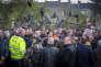 Emmanuel Macron rencontre les ouvriers en grève de l'usine Whirlpool d'Amiens, le 26avril.