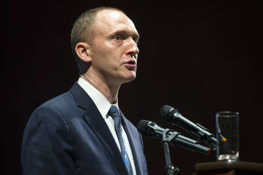 Carter Page est accusé d'avoir rencontré lors d'un voyage à Moscou en juillet plusieurs responsables russes visés par des sanctions américaines.