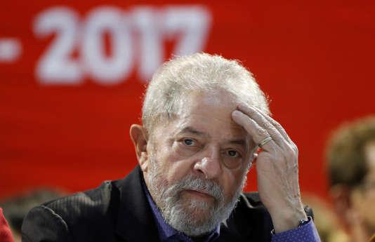 L'ancien présidentLuiz Inácio Lula da Silva lors du congrès du Parti des travailleurs àSão Paulo, au Brésil, le 5 mai.