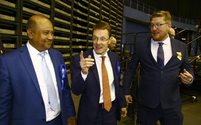 Andy Street, nouveau maire conservateur de l'agglomération de Birmingham (West Midlands) le soir de son élection le 5 mai.