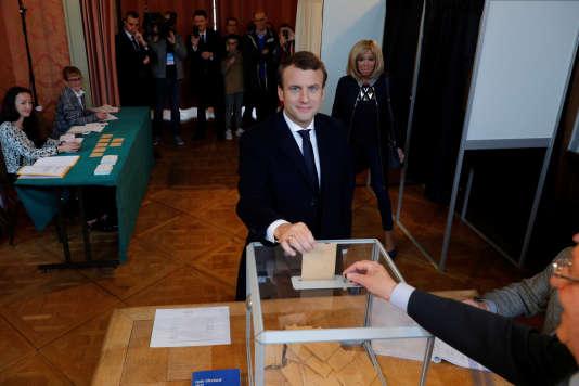 Emmanuel Macron a voté dimanche le 7 mai au Touquet.