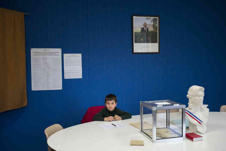 Le fils du président du bureau de vote de Flammerécourt.