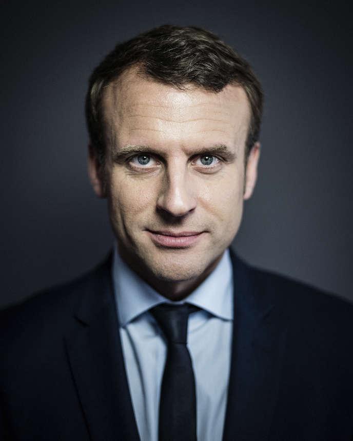 Emmanuel Macron, vendredi 31 mars, à son siège de campagne à Paris.