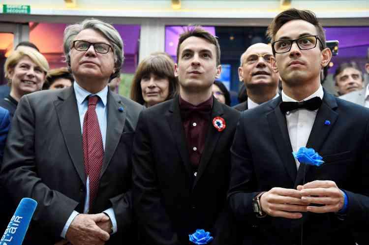 Le député du Gard Gilbert Collard lors de la soirée de soutien à Marine Le Pen, dimanche.