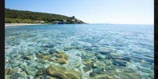 Dans les années 1970, cette petite plage du cap Corse aux eaux turquoises a vu défiler des stars.