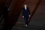 Un seul photographe a été autorisé à prendre des clichés de l'arrivée d'Emmanuel Macron place du Carrousel, à Paris, le 7 mai.