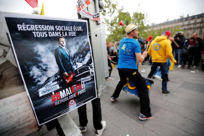 Manifestation contre Emmanuel Macron à Paris, lundi 8 mai.