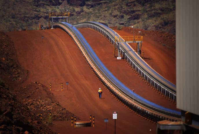 La mine de fer à ciel ouvert Solomon Hub, dans le Pilbara en Australie occidentale. Le pays a profité, à partir des années 1990, d'un essor minier sans précédent.